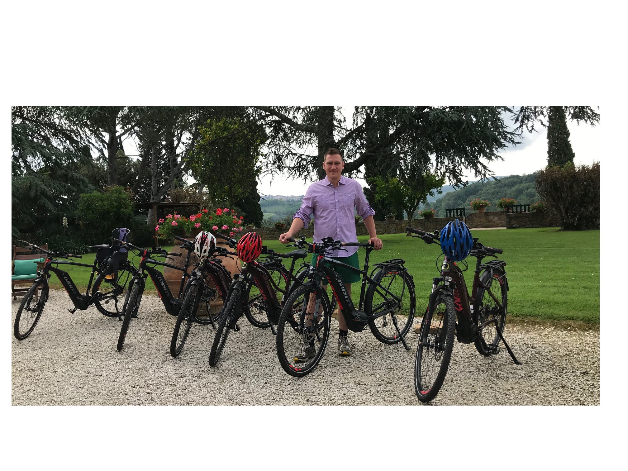 e-bike Guided Tour for big family from Montaione to San Gimignano