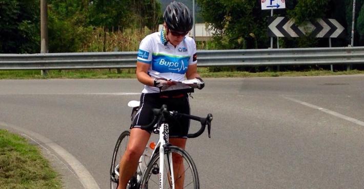 Kelli (sisters) from Australia lost :)) crossing Toscana hills